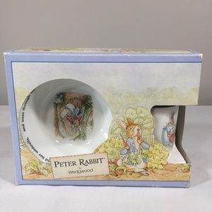 WEDGEWOOD PETER RABBIT BEATRIX POTTER DINNER SET